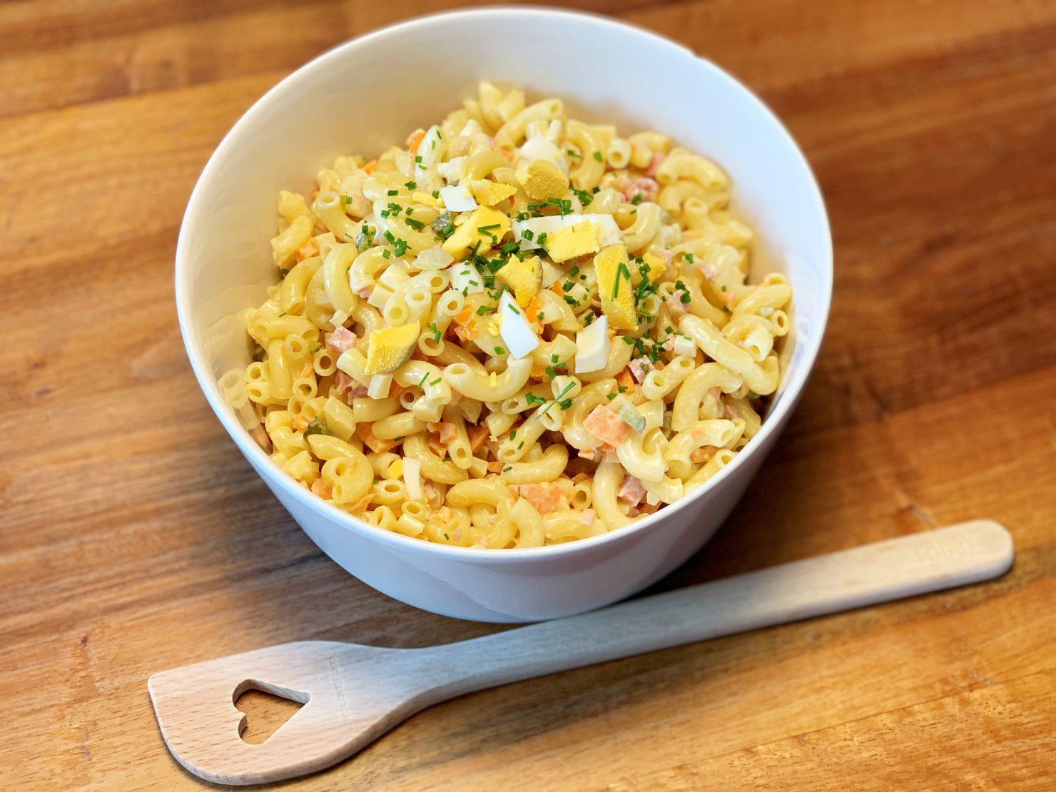 Hörnli-Salat - Schweizer Klassiker auf dem Familientisch
