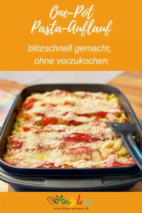 Manchmal muss es wirklich ganz rasch gehen: Für diesen Pasta-Auflauf kann man die Teigwaren einfach roh in die Form füllen, mit genügend Flüssigkeit übergiessen und zusammen mit Tomaten und Speck gratinieren!