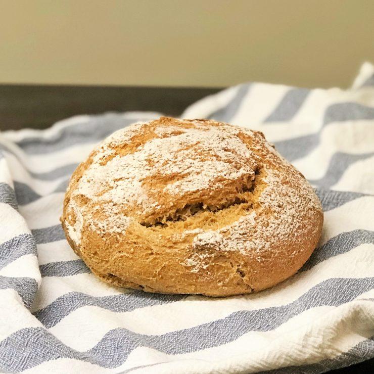 Aus altem Brot neues Brot backen? Wir zeigen euch, wie's geht!