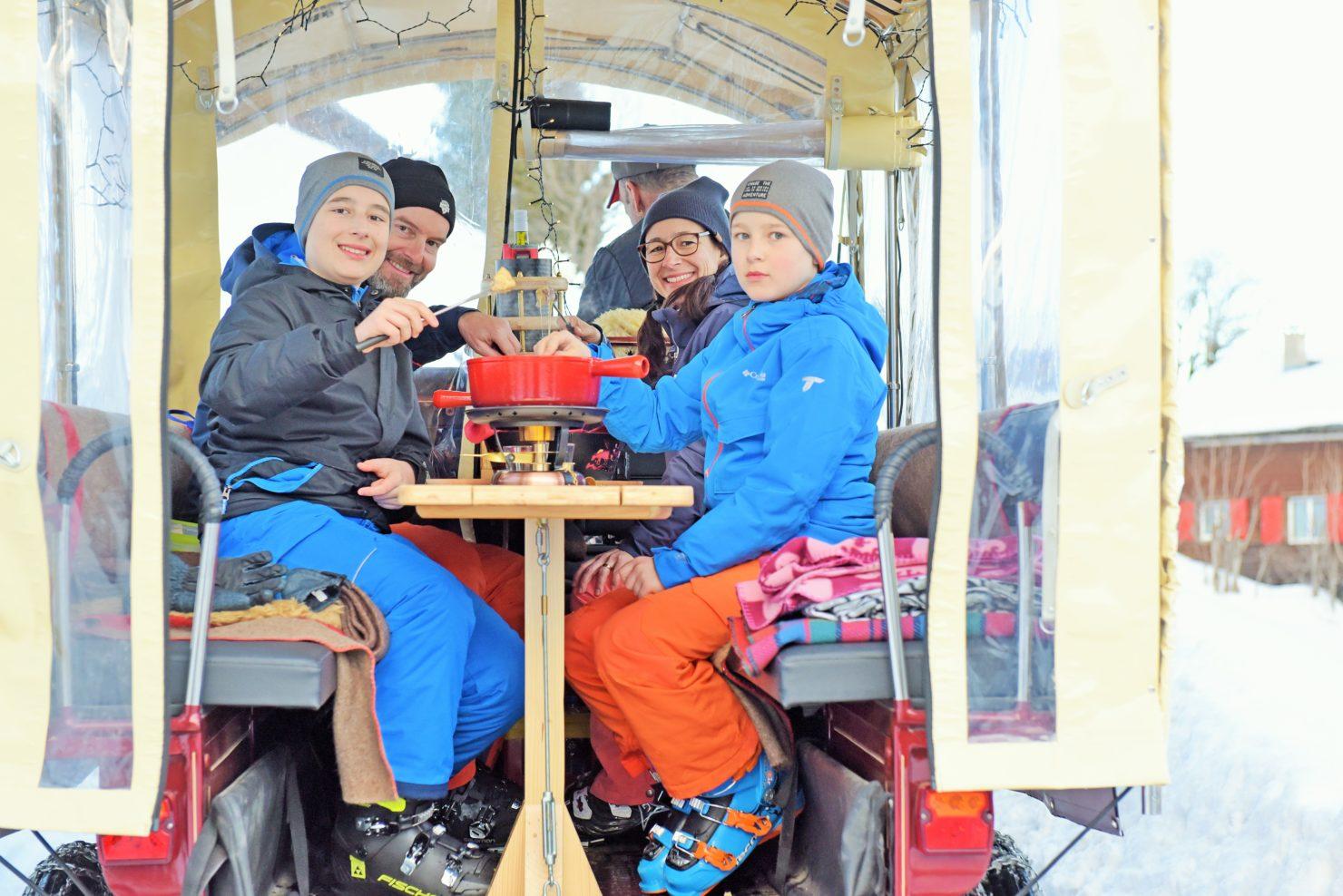Familien Skiferien Braunwald Fonduekutsche