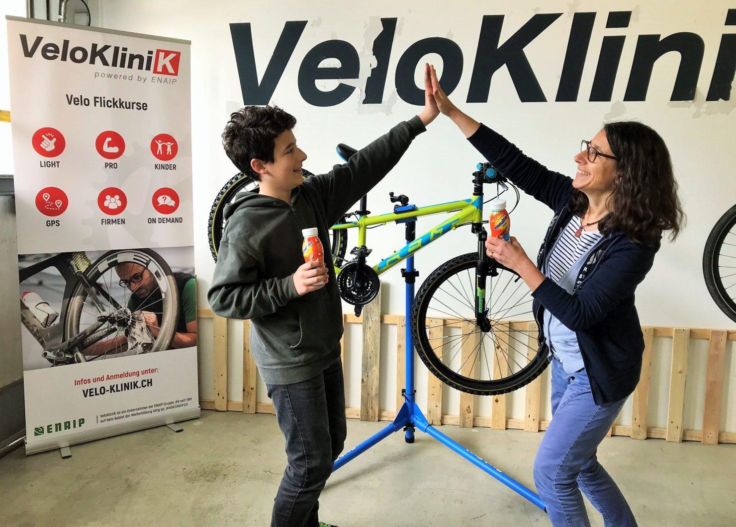 Velo und Bike warten reparieren flicken fahren