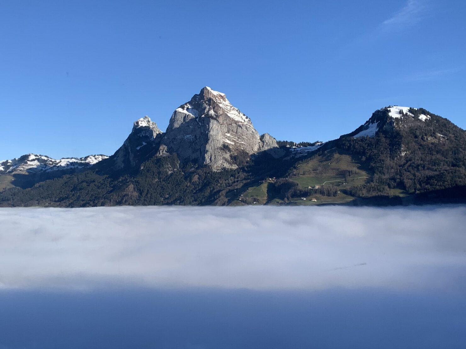 Die Mythen oberhalb der Nebelgrenze