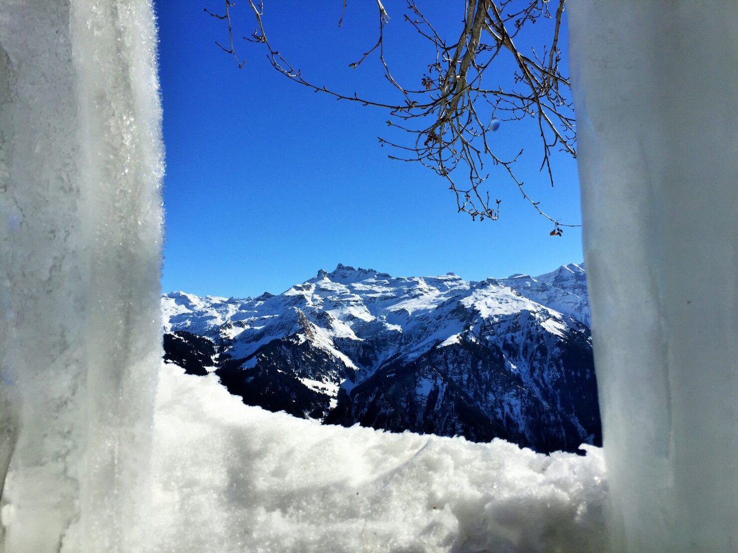 Panorama-Wanderung durch die Eisgalerie in Braunwald