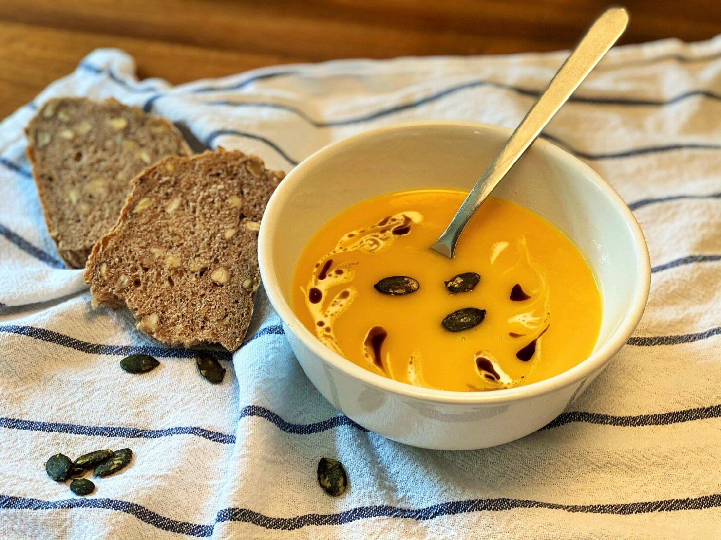 Kürbissuppe und Nussbrot - herbstlich fein und währschaft gut