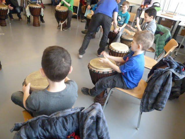 Kinder und Musik: So lernen Kinder ein Musik-Instrument zu spielen