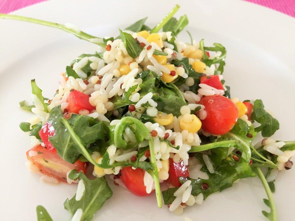 Frisch und gesund: Mediterraner Reissalat für die ganze Familie