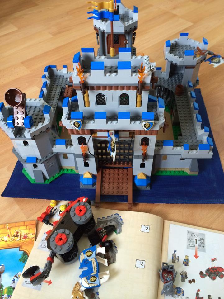 Lego art spiel kunst im kinderzimmer die angelones - Lego kinderzimmer ...