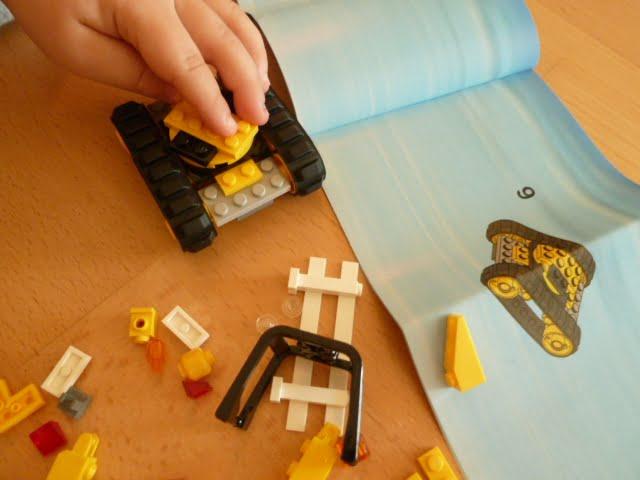 Die kindliche Lego-Entwicklung: Der Schritt von LEGO Duplo zu LEGO City