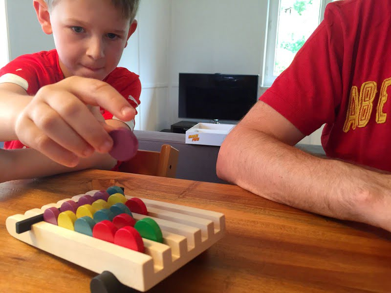 Beim Spiel Make Five macht das Aufräumen Kindern plötzlich Spass