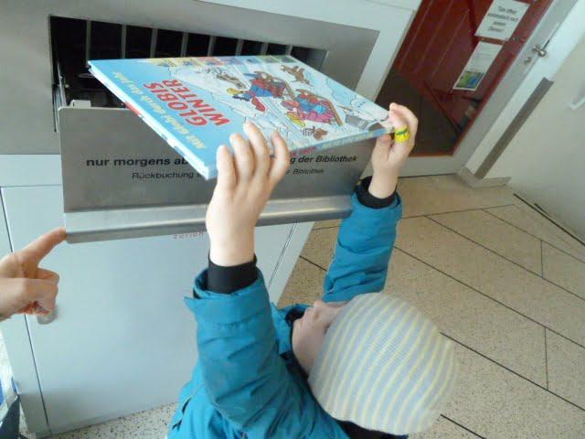 Der Bibliothekenbesuch macht Kindern Spass!