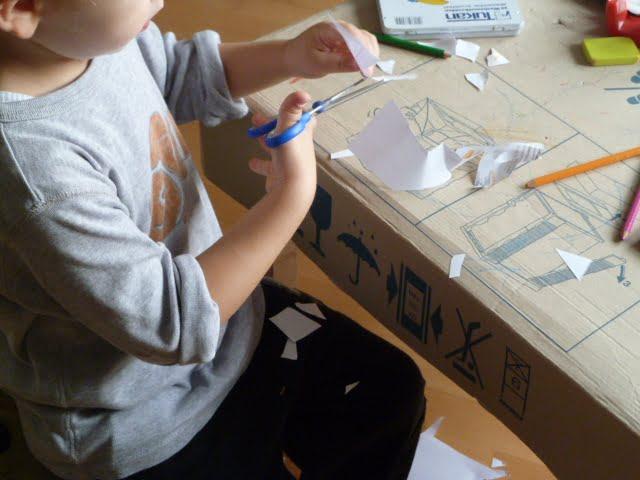 Kinder Schere Messer schneiden lernen basteln