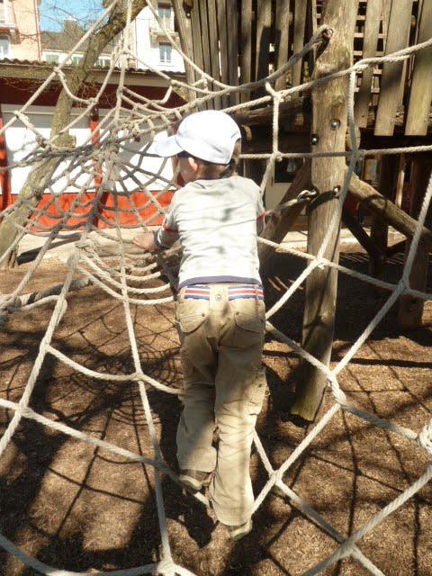 Seil-Spielplatz: natürliche und kostenlose Therapiestunde