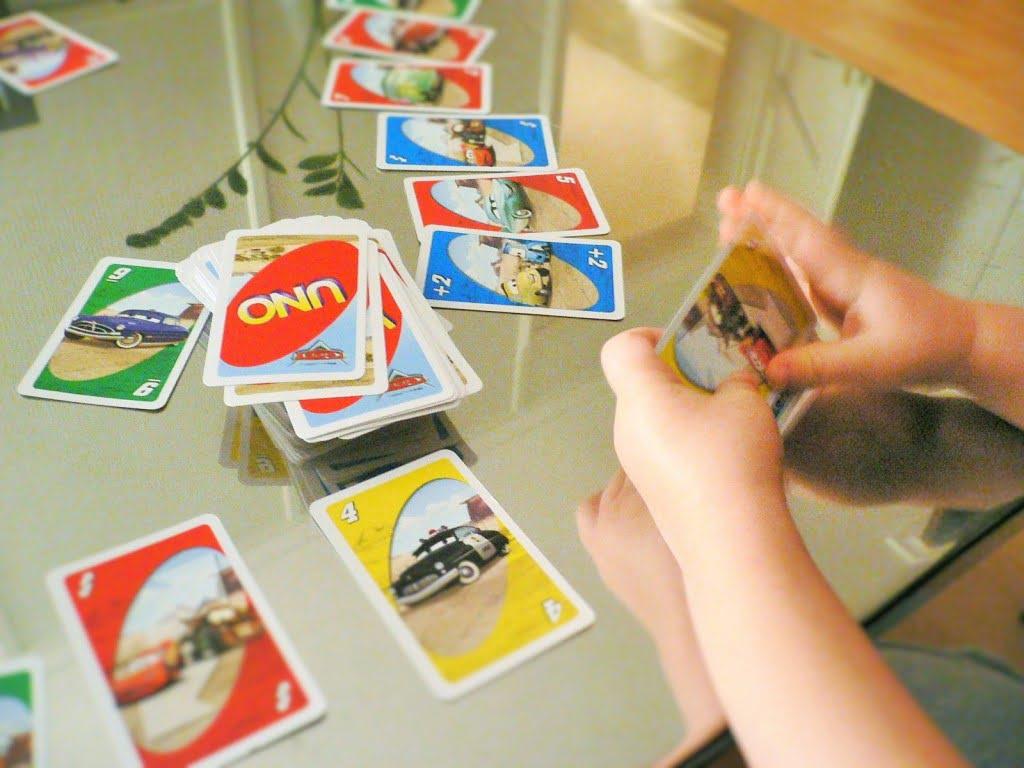 UNO - beliebtes Kartenspiel bei Kindern